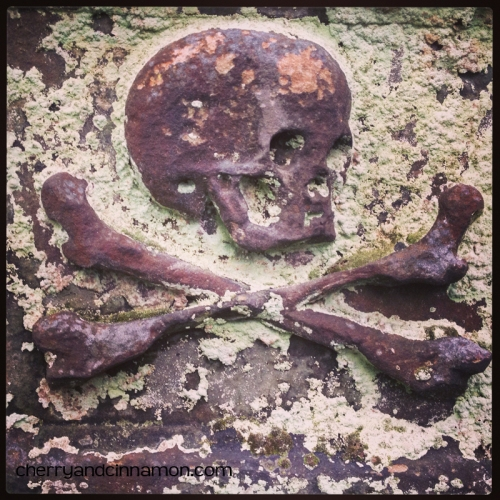 Blackfriars Kirkyard- Edinburgh -skull and crossbones